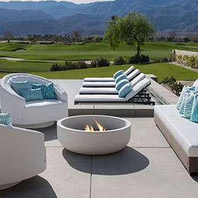 sleek outdoor seating in Las Vegas