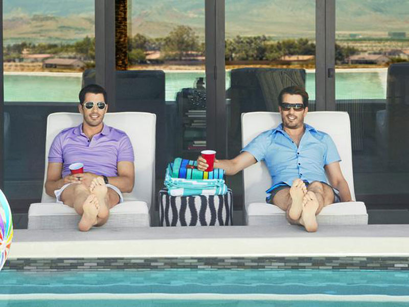 poolside seating for the Property Brothers at Home collection HGTV